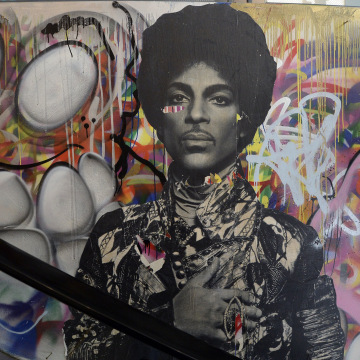 Image: Rock Legend Prince Dies At Age 57