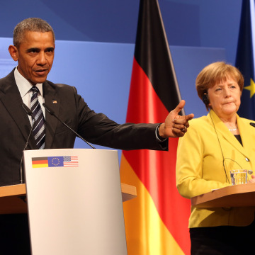 Image: U.S. President Obama Meets Angela Merkel In Hanover