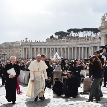 Image: Pope Francis on April 13, 2016
