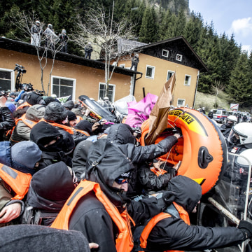 Image: Clash at Brenner Pass