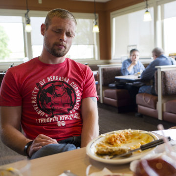 Image: Leo Guthmiller eats lunch the day before he surrenders