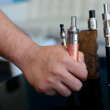 USA: Health: Modified Electronic Cigarettes Create More Carcenogenic Vapor