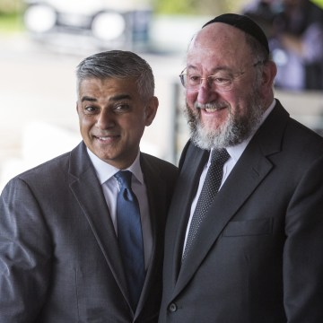 Image: London Mayor Sadiq Khan and Chief Rabbi Ephraim Mirvis