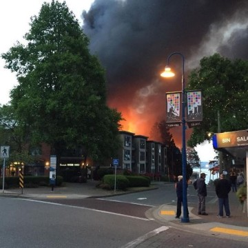 IMAGE: Fire at White Rock, B.C., apartments
