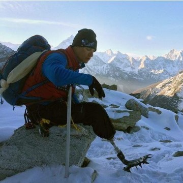 Images Ex-Marine Charlie Linville Becomes First Amputee Veteran to Scale Everest - NBC News 1