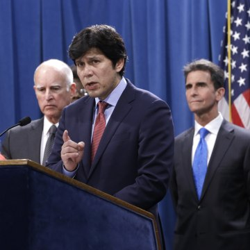 Image: Jerry Brown, Holly Diaz, Kevin de Leon, Mark Leno