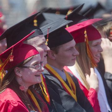 Image: The McCaughey septuplets high school graduation