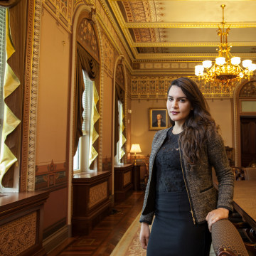 Image: Young Latinos of the Obama White House . Valentin Pereda.