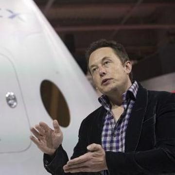 Tesla's Elon Musk: We Intend to Launch People to Mars in 2024