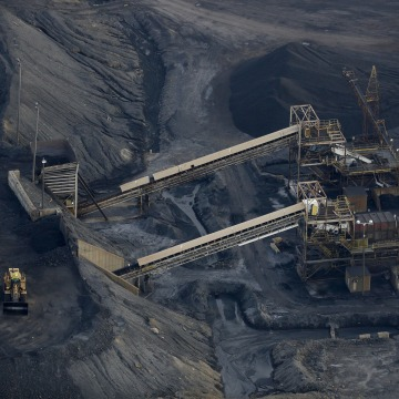 Image: Coal Slump Sends Mining Giant Peabody Energy Into Bankruptcy