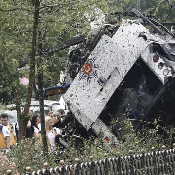Image: Bomb attack on police bus in Istanbul, Turkey