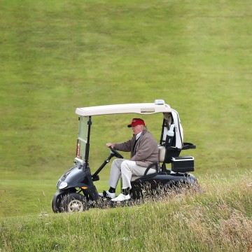 Image: Turnberry golf course - Donald Trump