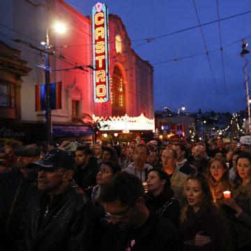 Image: Vigil in honor of Orlando shooting victims in San Francisco, California