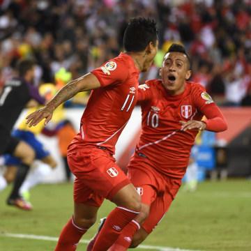 Peruvian players celebrate historic win over Brazil in La Copa America
