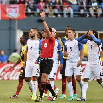 Jermaine Jones Seeing His Red Card Against Ecuador in La Copa America - COPAM2016-USA-ECU