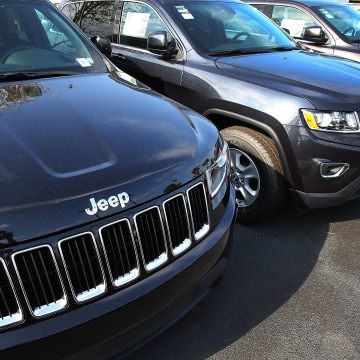 """Fiat Chrysler Issues Large Recall Over Confusion Regarding Vehicles """"Park"""" Gear Position"""