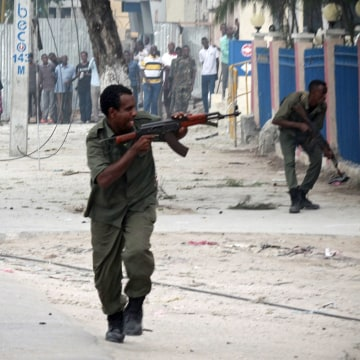 Image: Explosion and gunfire at Mogadishu hotel