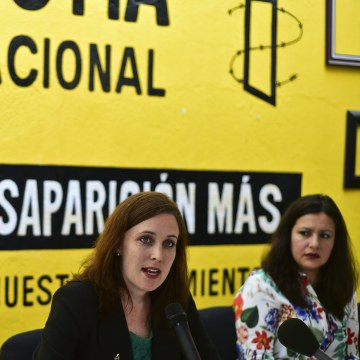 "presentation of the report  ""Survive to the death"" on torture to women in jails of Mexico"
