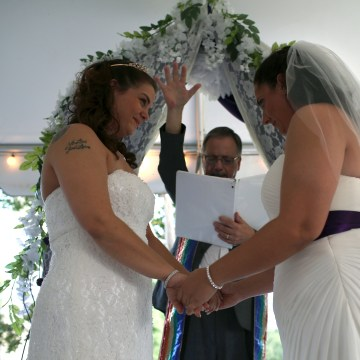 Lesbian Couple Marries In South Carolina