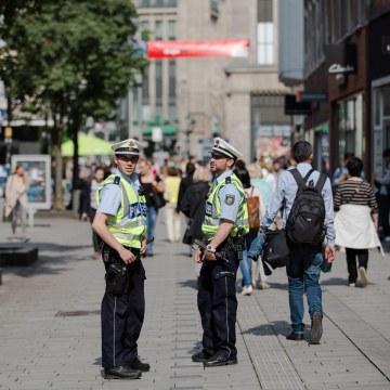 Image: Police patrol Duesseldorf, Germany, on June 2