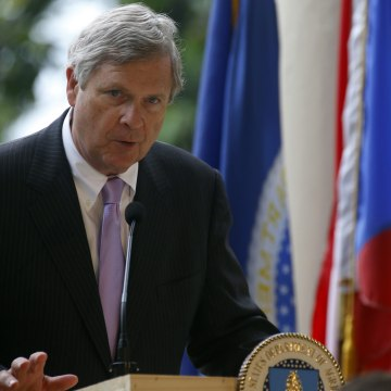 Image: US Agriculture Secretary Tom Vilsack visits Puerto Rico