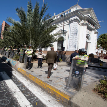 File photo: Venezuela Bolivarian National Police officers guard outside of Venezuela's National Assembly building.