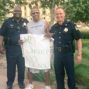 Image: Demonstration in Dallas at Belo Garden Park