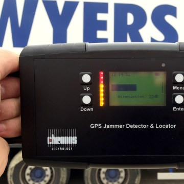 Alarm system jammer - jamming alarm system backup