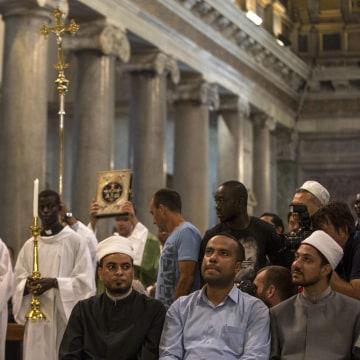 Image: Muslim call to go to Sunday Mass