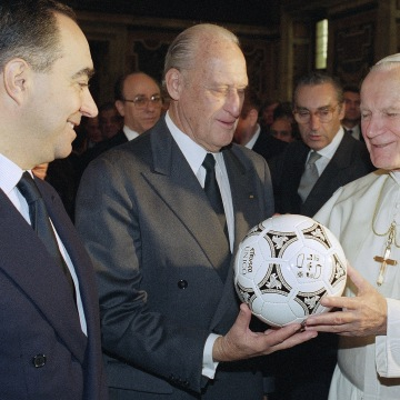IMAGE: Joao Havelange and Pope John Paul II
