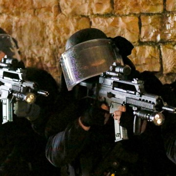 Image: GIGN officers