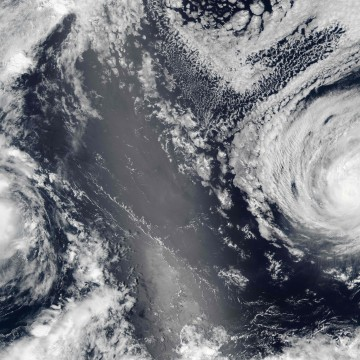 Image: Hurricane Lester (right) and then-Tropical Storm Madeline
