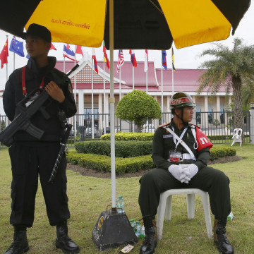 Image: Laotian soldiers guard the National Convention Center