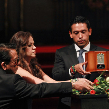 Image: Son of Juan Gabriel receives ashes
