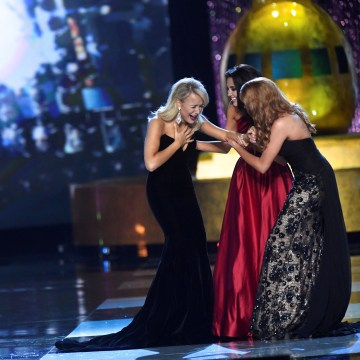 Image: Savvy Shields reacts to winning the Miss America Pageant