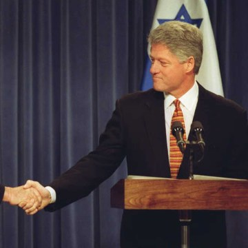 IMAGE: Shimon Peres and Bill Clinton