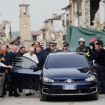 Image: Pope Francis visits Amatrice