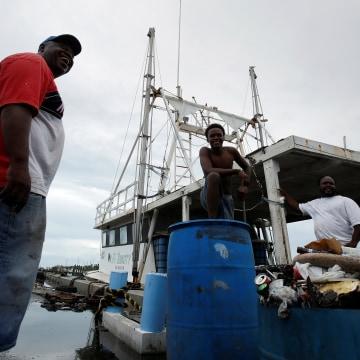 IMAGE: Hurricane Matthew preparations in Nassau, Bahamas