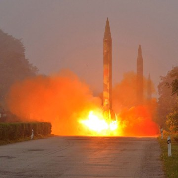 Image: N. Korea missile launch