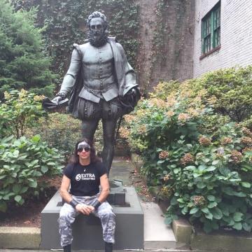 Yoss touring Hispanic and immigrant landmarks New York City.
