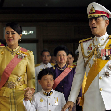 Image: Royal consort Princess Srirasm, Prince Dipangkorn Rasmijoti and Crown Prince Maha Vajiralongkorn in 2011