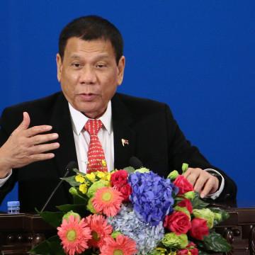 Image: Philippines President Rodrigo Duterte visits China