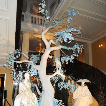 Image: Christmas Tree Designed By Dior Unveiled At Claridges