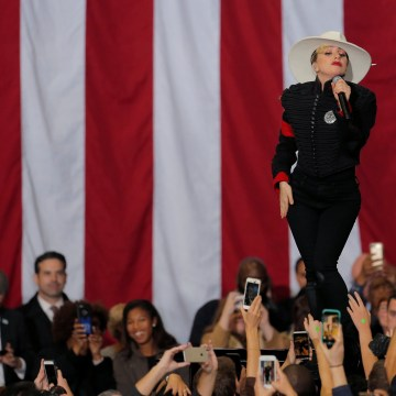Image: Singer Lady Gaga performs ahead of Democratic presidential nominee Hillary Clinton at a campaign rally in Raleigh