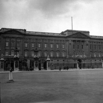 Image: Buckingham Palace in 1935