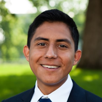 Headshot of Oscar De Los Santos, 23, who is one of this year's Rhodes Scholars.