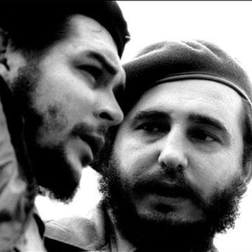 """Image: Ernesto """"Che"""" Guevara and Fidel Castro in the 1960s"""