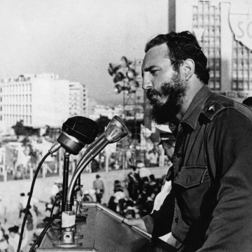 Image: Fidel Castro addresses a rally in 1959