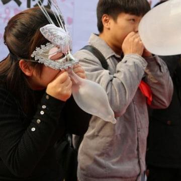 161201_China AIDS