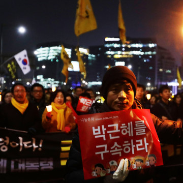 Image: Rally Against President Park Continues In Seoul